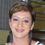 Geet's mother - Juhi Bhalla