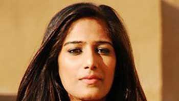 Die Hard Fan Of Poonam Pandey Given Role In 'Nasha'.