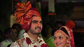 Esha Deol Ties the Knot with Bharat Takhtani at ISCKON Temple in Juhu