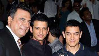 Aamir Khan Praises His Actor-Friend Sharman Joshi