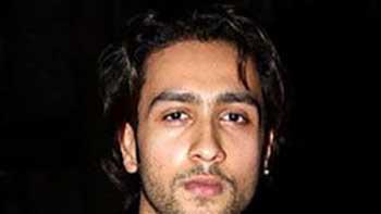 Adhyayan Suman to Play Shakti Kapoor's Role in Himmatwala Remake