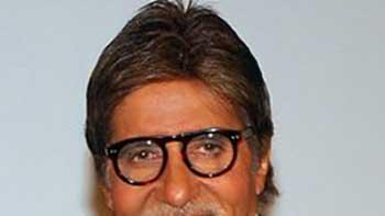 Amitabh Bachchan Praises Shahrukh Khan for His Performance in 'JHTJ'