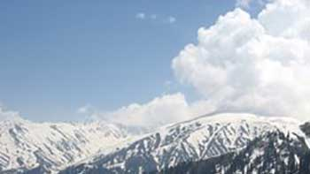 B-town moves to dream valley Kashmir for shooting