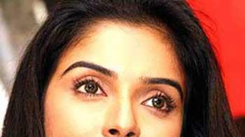 'Bol Bachchan' is the Modern Version of 'Golmaal' – Asin