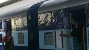 'Chennai Express' To Get Popular 'DDLJ' Train Scene.