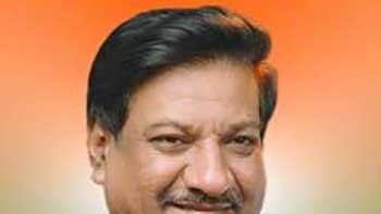 Chief Minister Visits Yash Raj Studio to Pay Tribute to Yash Chopra