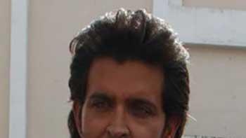 Hrithik Roshan's Hand gets injured On the Sets of 'Krrish 3'
