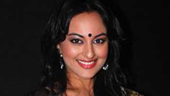 Is 'Desi Look' Lucky for Sonakshi Sinha?