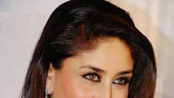 Kareena Kapoor Wants her Name as Kareena Kapoor Khan in 'Talaash' Credit