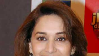 Madhuri to commence shoot for 'Dedh Ishqiya'