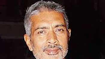 Prakash Jha to Rope in Amitabh Bachchan, Kareena, Manoj Bajpai in 'Satyagraha'