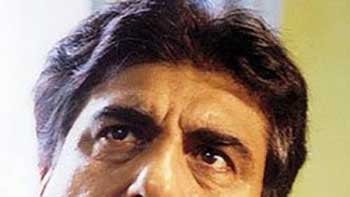 "Raj Babbar to play Soha Ali Khan's father in ""Saheb, Biwi aur Gangster Returns"""