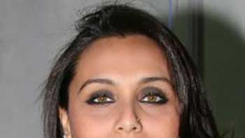 Rani Mukerji to Get the Approval of Her Mother on 'Aiyya' Promo Launch Due to Her Bold Scenes