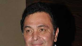 Rishi Kapoor follows footsteps of father Raj