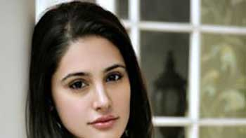 'Rockstar' Heroine Nargis Fakhri Denies Dating Ness Wadia