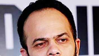 Rohit Shetty Excited About Getting a Photo Clicked with Amitabh Bachchan on the Sets of 'Bol Bachchan'