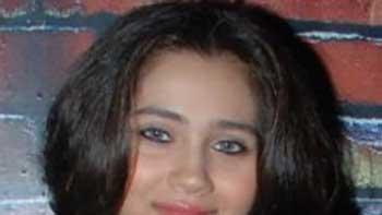 Salma Agha's Daughter Sasha Aagha to Debut in 'Aurangzeb'