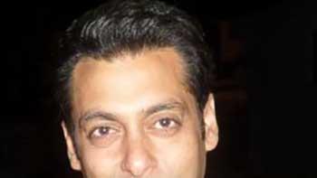 Salman Khan Concentrates On 'Dabangg 2'- Not Bothered About 'Ek Tha Tiger' 200 Crores Mark