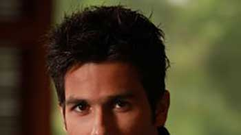 Shahid Kapoor to Lose Weight for YRF, to Put On For Prabhu Deva