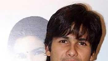 Shahid Visits Shooting Location Of Superhit 'Sholay'.