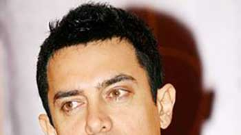 Someone Spreading Rumours about 'Talaash', Says Aamir Khan