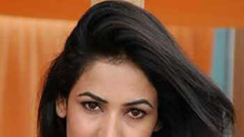 Sonal Chauhan lends her voice for 3G