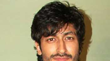 Vidyut delighted to play the lead