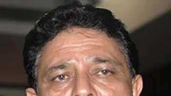 Yuvraj's Father Yograj Singh Plays Milkha Singh's Coach in 'Bhaag Milkha Bhaag'