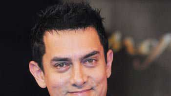Aamir Khan\'s midnight bash