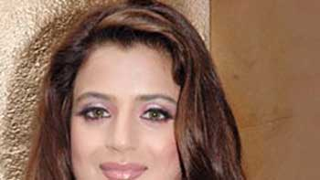 Amisha to play a negative role for the first time