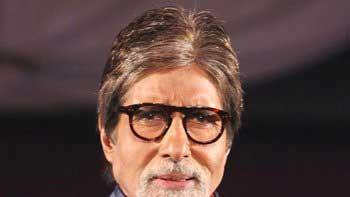 Amitabh Bachchan overrides seven million mark on Twitter