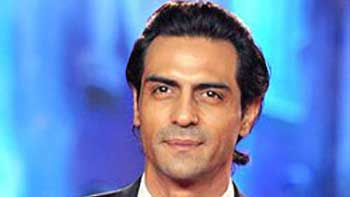 Arjun Rampal, a writer in 'Roy'