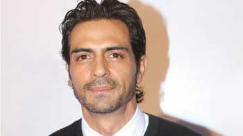 Arjun Rampal launches his Official Facebook Page