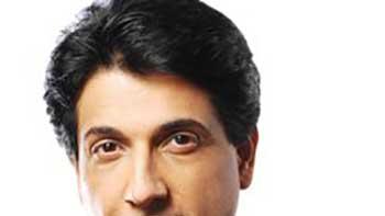 Bollywood shower praises on Shiamak Davar