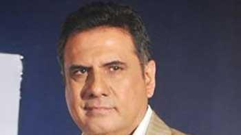 Boman Irani sprained in Fiji