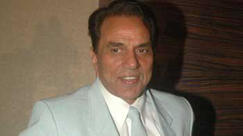 Dharmendra to render double role in \'Double Di Trouble\'