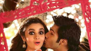 First Look of 'Humpty Sharma Ki Dulhania' Out Now!