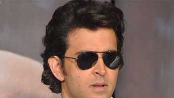 Hrithik Roshan to leave today for medical check-up