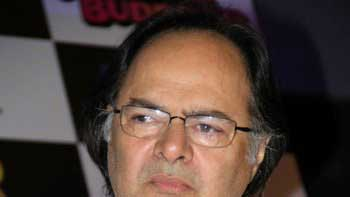 Farooq Sheikh passes away in Dubai