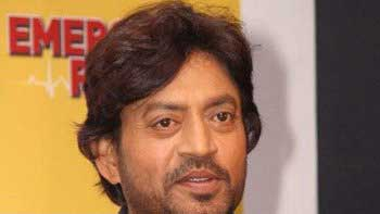 Irrfan Khan interacts with Dabbawalas for \'The Lunchbox\'