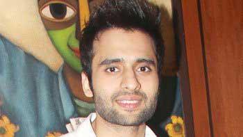 Jackky Bhagnani to pay tribute to Farooq Sheikh