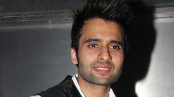 Jackky Bhagnani to shake a leg on chartbuster \'Tanki\' in \'Youngistaan\'