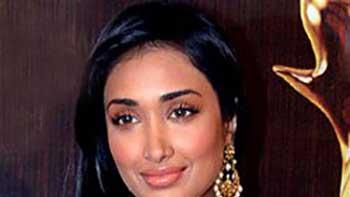 Jiah Khan's sister to enter Bollywood