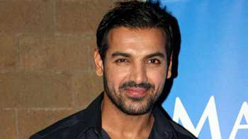 John Abraham\'s special song of 3 crore in \'Welcome Back\'