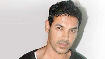 John Abraham to groove with six item girls in \'Welcome Back\'