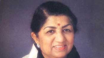 Lata Mangeshkar to be honored with Yash Chopra Memorial Award