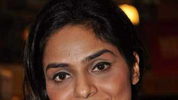 Madhoo to make comeback in Tollywood