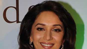 Madhuri shows her singing talent in 'Gulab Gang'