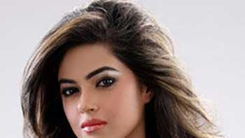 PC's cousin Meera set to debut in 1920