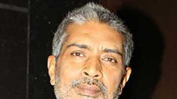 Prakash Jha shifts to the comedy genre